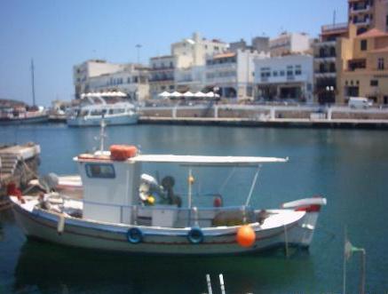 De haven van Agios Nikolaos.