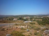 Het dorp Anopolis in de verte.