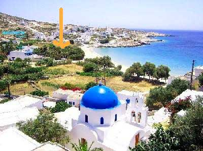 How many tourists does the island Donousa recieve per year?