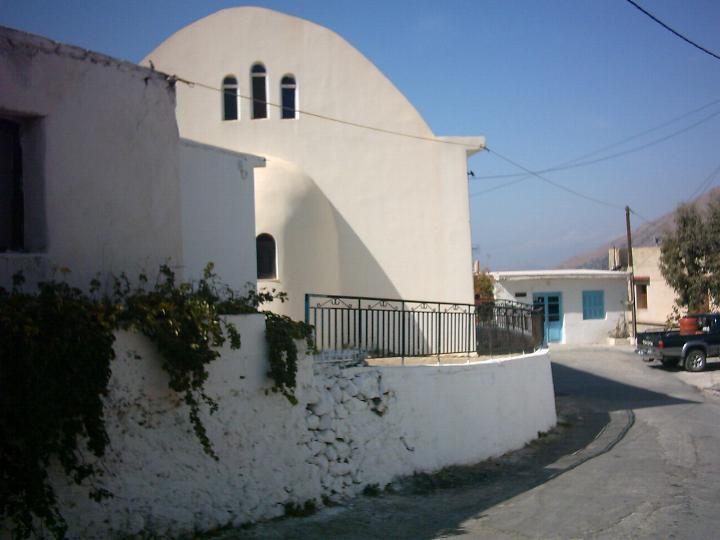 The church in Kato Saktoura