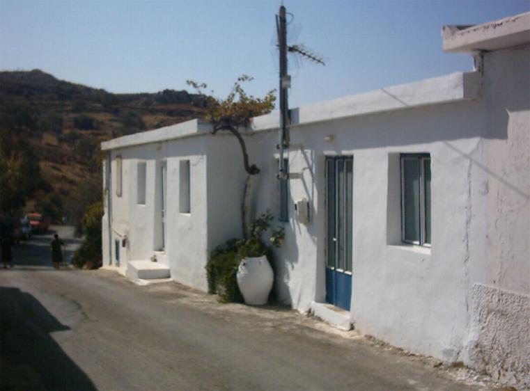 Another old house in Kato Saktoura