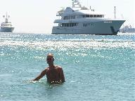 ik in de zee bij Ornos