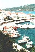 Haven van Skiathos stad