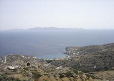 Vanaf een berg op Tinos...