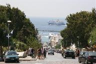 Een blik naar beneden in Tinos Stad
