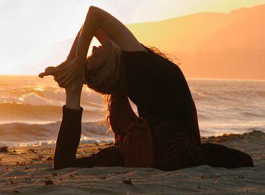Lesbos yoga