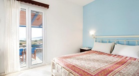 Dimitris Rooms, Manganari Beach in Ios
