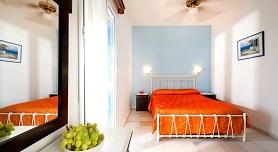 Dimitris Rooms, Manganari Beach in Ios