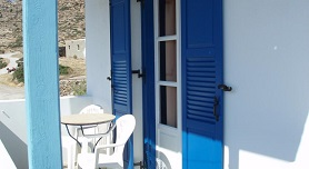 Helena's Rooms, Manganari Beach in Ios