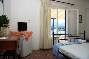Sunset Rooms, Iraklia