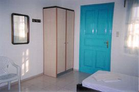 Dimitris Rooms, Iraklia