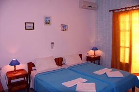 Alexandra Rooms, Iraklia