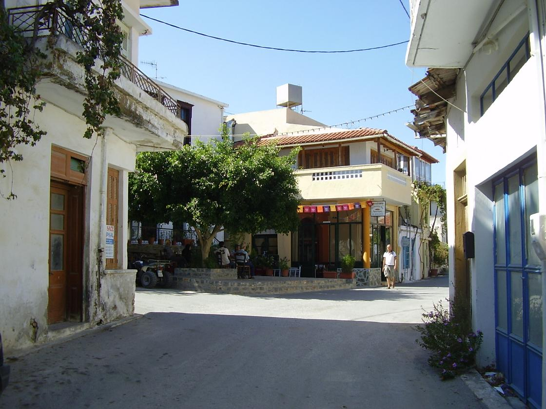 https://www.angelfire.com/super2/greece/kreta/houmeriakos09.JPG