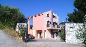 Villa Dimosthenis in Stalos, Crete, Kreta.