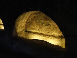 Milos catacombes