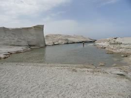 Milos, Sarakiniko Beach