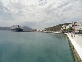 Milos veerboten, Milos ferries