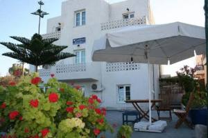 Galini Apartments Milos