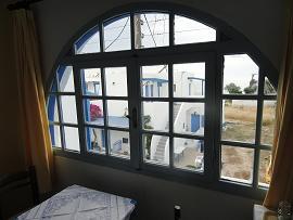 Milos, Soultana Apartments, Rooms and Studios in Pollonia