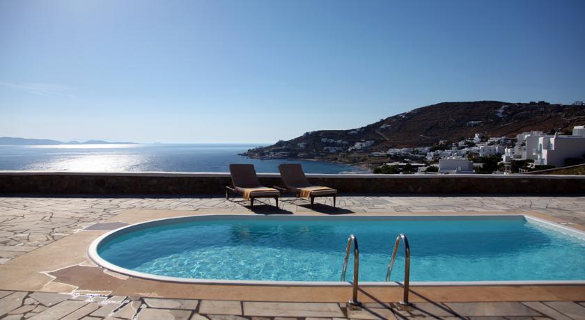 Agios ioannis strand op mykonos huur een priv villa op mykonos hotels appartementen en studio 39 s - Zwembad met strand ...