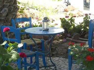 Donoussa, de tuin van Loni en Spiros