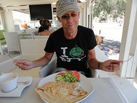 Corner Snack Bar in Perissa in Santorini