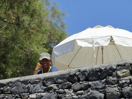 Akrotiri Snackbar in Akrotiri Beach in Santorini