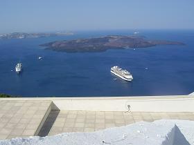 Kameni islands santorini