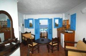 Santorini, Perissa Beach, Apartments & Studios San Efrem