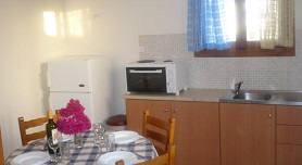 Meltemi Apartments - Agathopes, Posidhonía, Syros