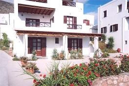 Plakourakia Apartments in Finikas, Syros