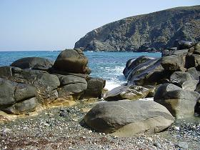Beach on Tinos in Greece, strand op Tinos in Griekenland