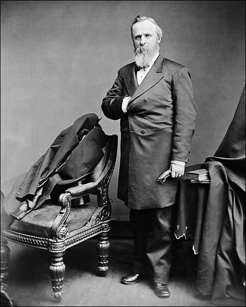 rutherford b hayes Rutherford b hayes (1822-1893), the 19th president of the united states, won a controversial and fiercely disputed election against samuel tilden he withdrew troops from the reconstruction .