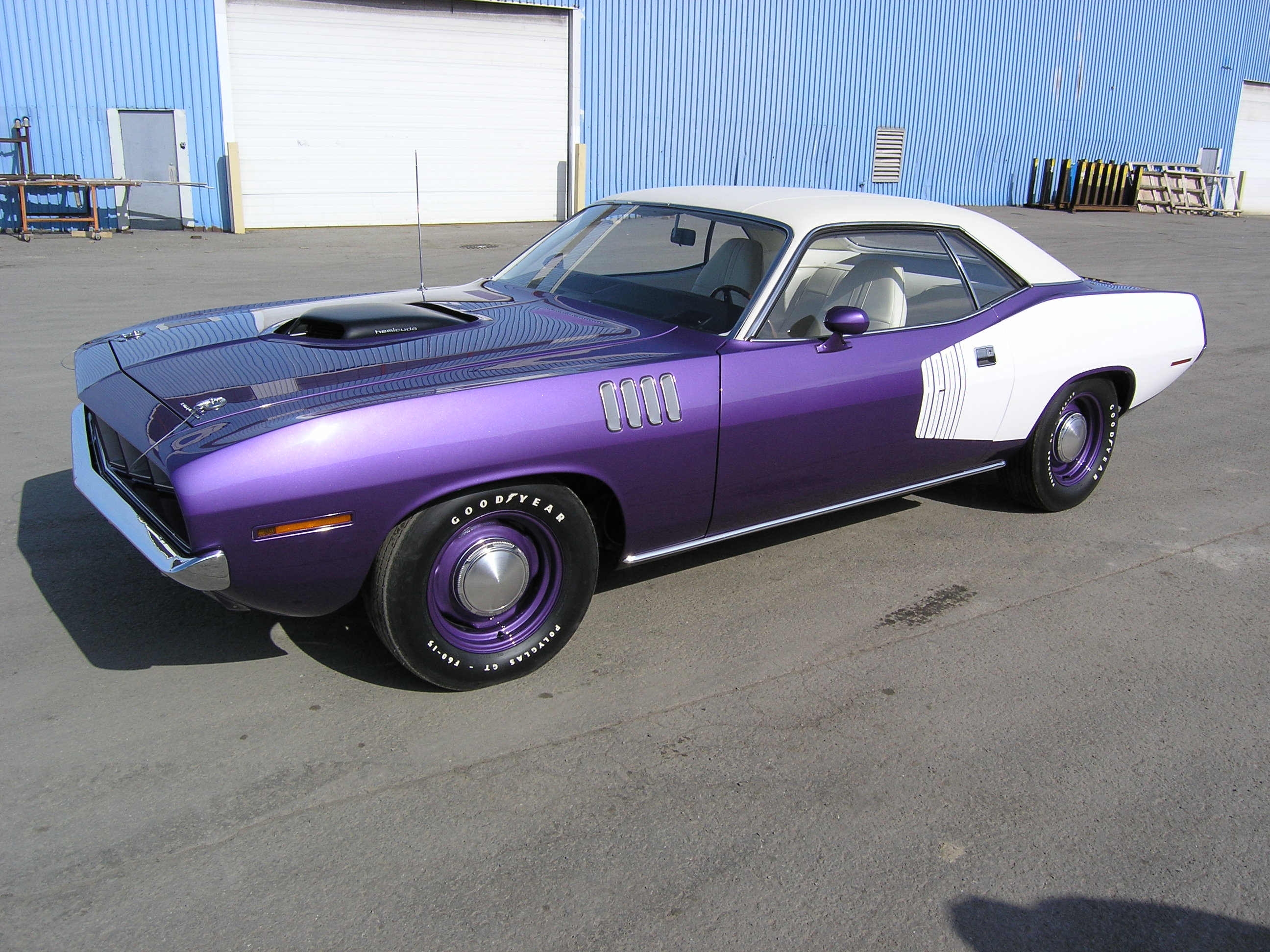 71 Hemi Cuda FC7 4 Speed FC7 Purple White Interior White Vynal